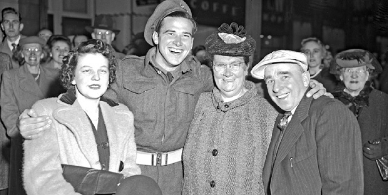 A Hamilton family reunited in Gore Park, 1945, after the 40th Battery returned from Europe