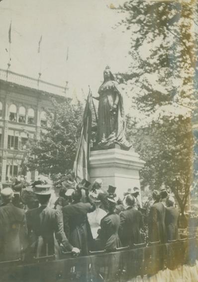 Queen Victoria Statue, 1908