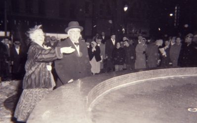 Inaugurating the new fountain in Gore Park, 1960