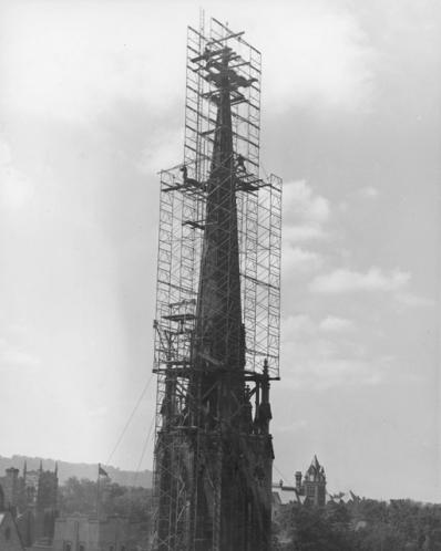 Repairing St. Paul's Presbyterian Church spire, 1944